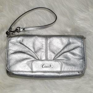 Coach Wristlet Organizer small Clutch wallet
